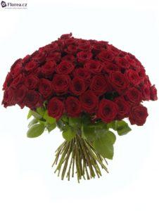 Kytice 100 růží - Rudé růže Red Naomi