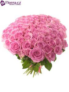 Kytice 100 růžových růží